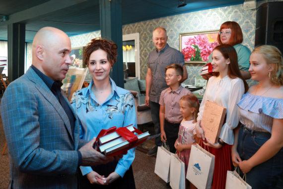 Игорь Артамонов дал старт акции «Читаем Бунина с любовью»